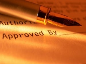 Pen and agreement - B2B procurement